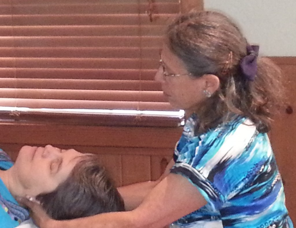 Rosi from Integration Massage relieves neck pain with Ortho-Bionomy®